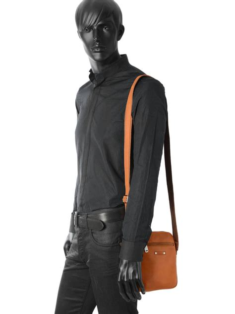 Promo Coach 9008 sac homme foures baroudeur fauve en vente au meilleur prix