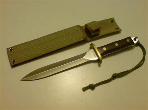 edged combat knife weaponcollector s knuckle duster and weapon boker