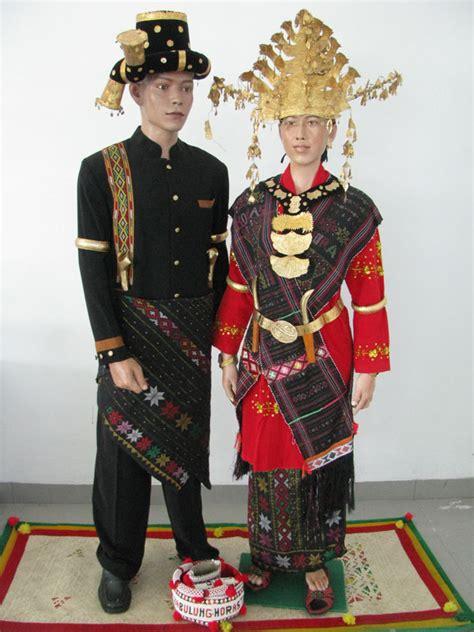 Baju Adat Suku Batak Karo planet batak suku batak angkola