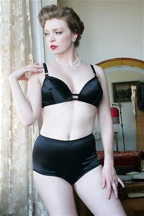 dollhouse bettie 32 best images about atomic on satin retro