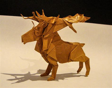 Origami Reindeer - beautiful exles of origami paper hongkiat