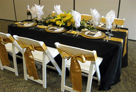how wide is an 8 banquet table tables chairs