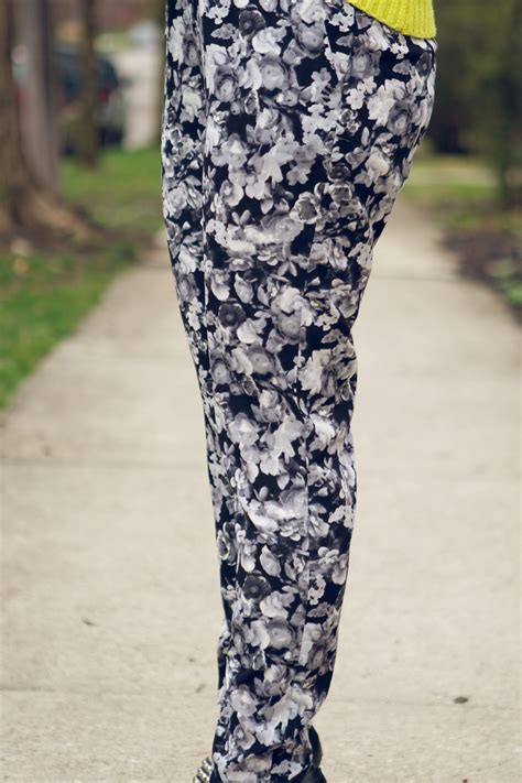 black and white patterned jeans outfit floral pants