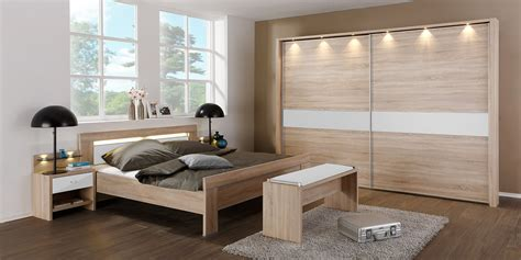 schlafzimmer schränke weiß hellrosa wohnzimmer