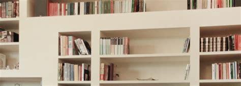 costruire libreria a muro come costruire una libreria in una nicchia edilnet