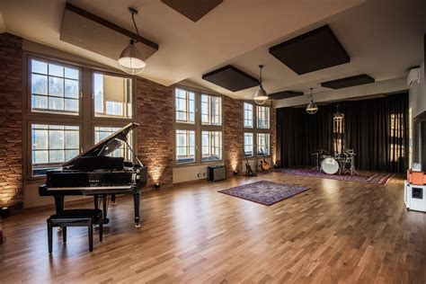 Live Room Recording by Spinroad Recording Studios
