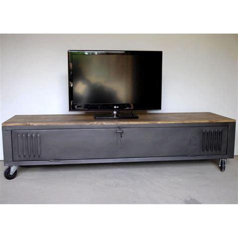 Meuble Industriel Tv by Vestiaire Transform 233 En Meuble Tv Industriel Metal Et Bois