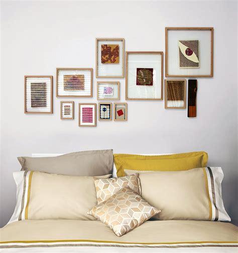 cornici da appendere appendere i quadri come disporli bene sulla parete