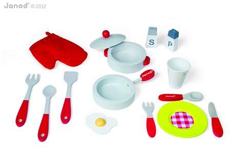 cuisine picnik duo janod 4506538 cuisine jouet picnik duo tabouret