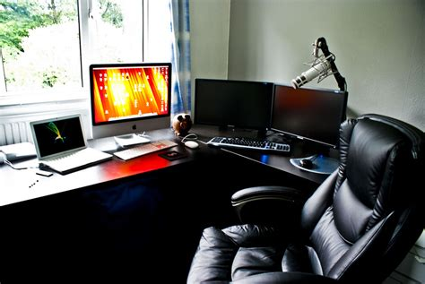 home office monitor 15 envious home computer setups inspirationfeed