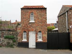 next the sea cottage ostler s cottage next the sea c chris heaton