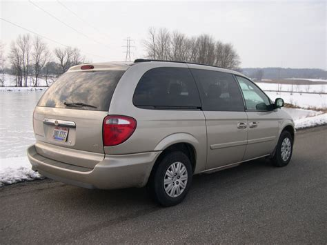 Chrysler Town And Country Lx by File 2005 Chrysler Town And Country Lx Rear Jpg