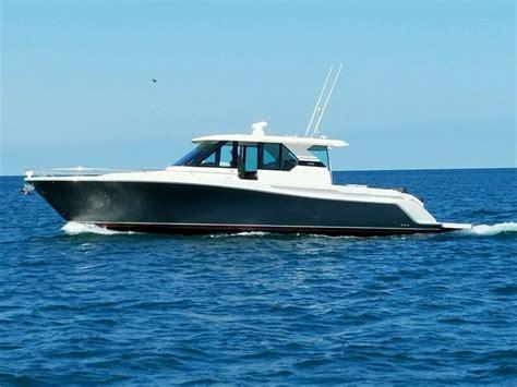 tiara boats q44 2016 tiara q44 fresh water low hours the hull truth
