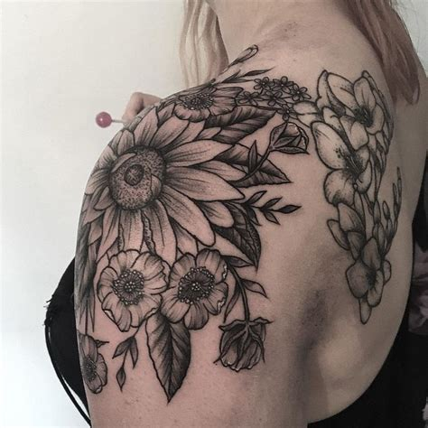 shoulder piece tattoo designs 1947 best funky tats images on ideas