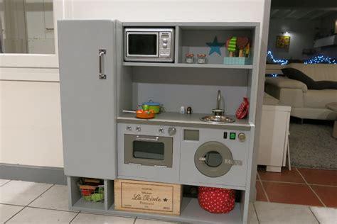 cuisine pour fille cuisine en bois pour fille cuisiniere en bois