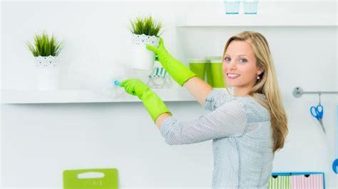 casa pulizie pulizie di casa cosa pulire ogni giorno ogni settimana