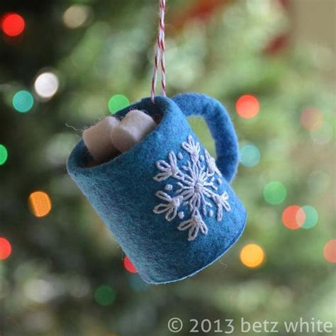 felt ornaments 1000 ideas about felt ornaments on