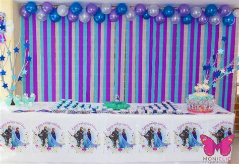 decorar pared con globos y papel crepe como adornar un mural con papel crepe como adornar un