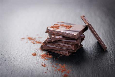 chocolate symptoms chocolate allergy vs chocolate sensitivity triggers and
