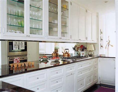 Mirrored Kitchen Cabinets by Espelho Na Cozinha Detalhes M 225 Gicos