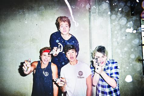 5 seconds of summer she looks so perfect youtube 5 seconds of summer wallpapers hd download