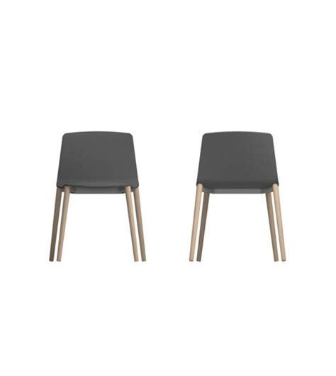 quatre pieds chaises rama quatre pieds en bois chaise kristalia milia shop