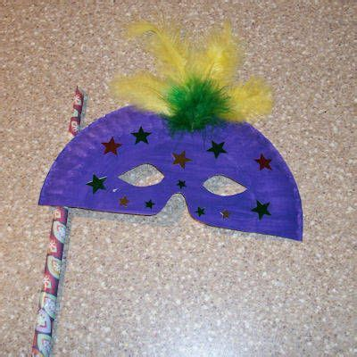 A Mask Out Of Paper - 25 best ideas about paper plate masks on