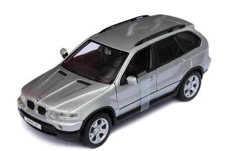 Bmw X5 Putih Skala 1 24 Welly Diecast Miniatur black silver 1 24 scale welly diecast bmw x5 suv model