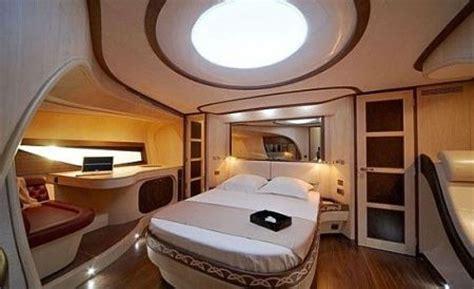 treno italo interni alen yacht metaphore68