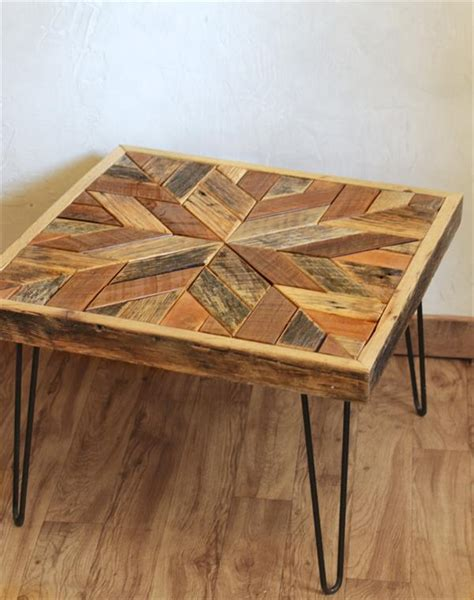 Pallet Coffee Table with Star Pattern Top   Pallet Furniture Plans