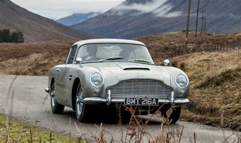 Aston Martin Db5 Cost by Aston Martin Db5 Bond Goldfinger Spec Car Revealed