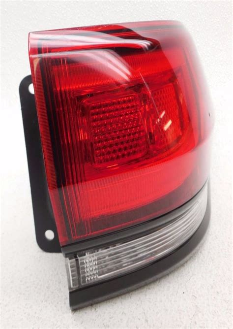 2017 jeep grand cherokee tail lights export 2014 15 jeep grand cherokee srt8 right led tail