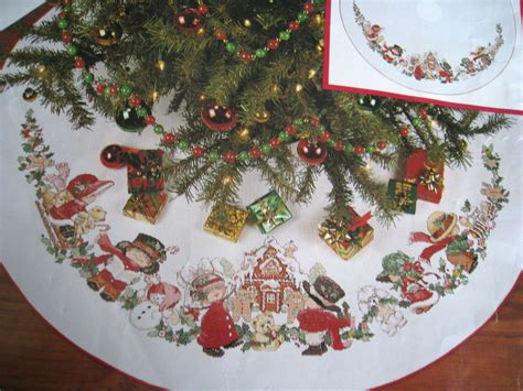 needle treasures christmas counted cross tree skirt kit