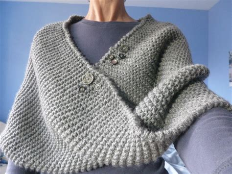 how to knit buttons 1000 images about knitted shawl with button on