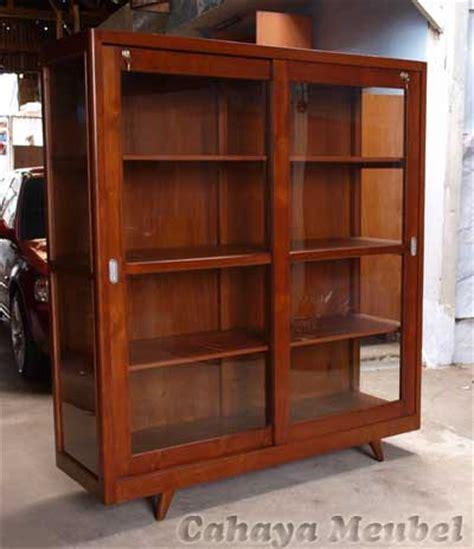 Lemari Jati 2 Pintu Bekas lemari buku minimalis pintu sliding kayu jati lemari buku