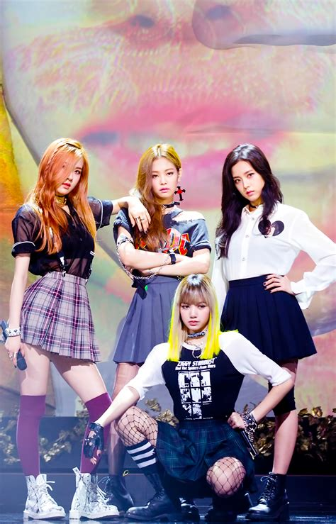 blackpink music bank new ro16885115 w900 h1405 ygdreamers