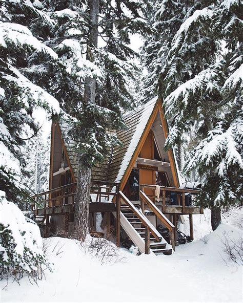 winter cabin best 25 winter cabin ideas on cozy cabin
