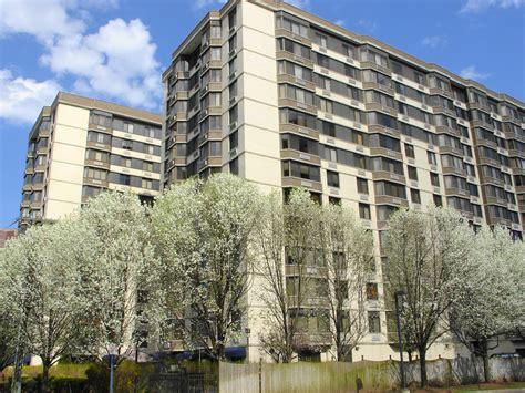 Apartment Websites Nj World Plaza Apartments For Rent On Prospect Avenue