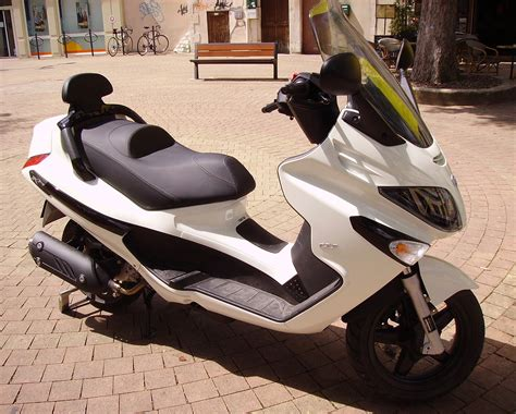 piaggio xevo 125 photos and comments www