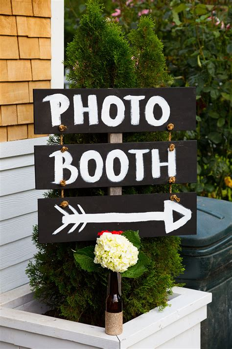 Handmade Photo Booth - ideas for a photo booth