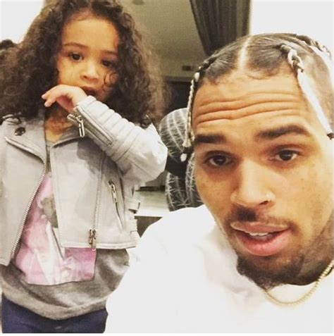 Chris Brown New Hairstyle by Adorable Picture Of Chris Brown And His Checkout