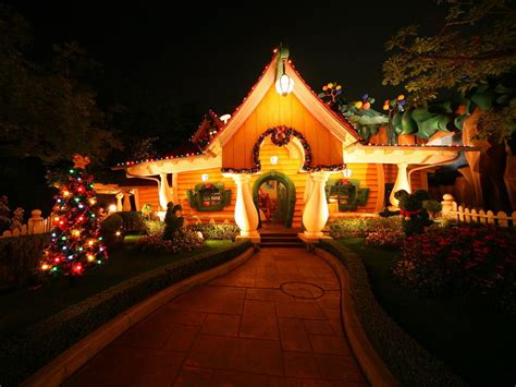 christmas house disney christmas christmas wallpaper 7491885 fanpop