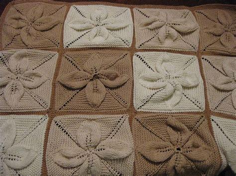 leaf pattern knitted blanket knitted leaf baby blanket knitting blankets pinterest
