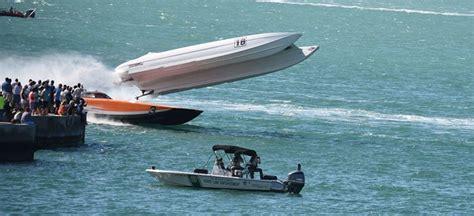 boat crash hawaii 2017 super boat key west boat crash race day live medium
