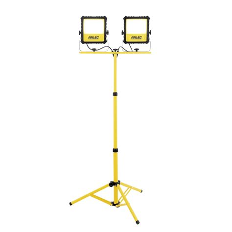 light with arlec 90w 7000lm led work light with tripod bunnings