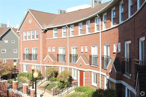 One Bedroom Apartment Louisville Ky by Crescent Centre Apartments Apartments Louisville Ky
