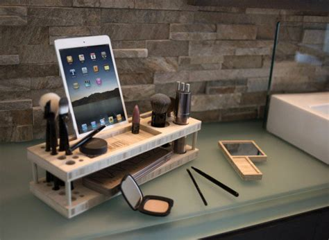 14 Smart Ways To Store And Organize Your Desk In Diy Projects Ways To Organize Your Desk