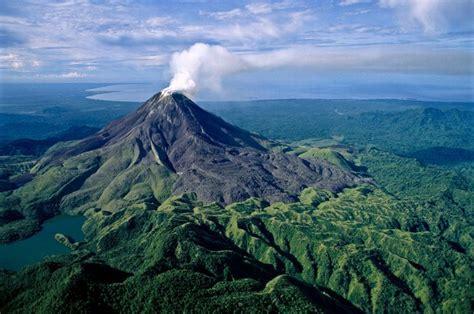 In Papua New Guinea Dodwell wulkany świata papua nowa gwinea