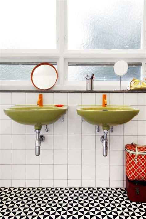 bathroom in situ 1000 images about o d y s s e y on pinterest arabesque