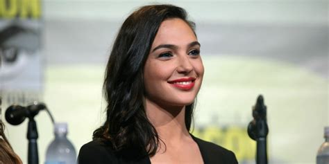 wonder woman actor name 2017 israel s wonder woman inspired by grandfather a